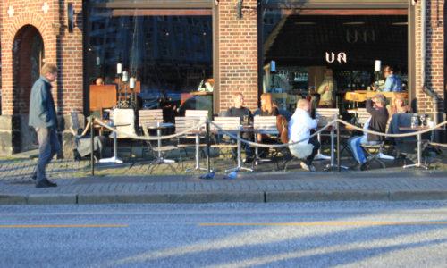 sidewalk-cafes-3